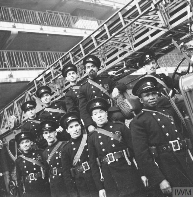 THE AUXILIARY FIRE SERVICE IN LONDON, 1941